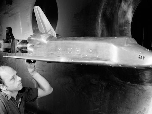 Dramatic Vintage Photos Of Wind Tunnel Tests