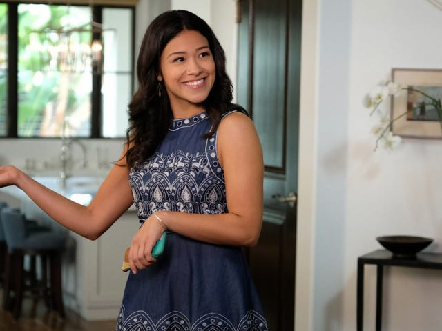 Jane The Virgin's personal troubles pile up as new professional opportunities arise