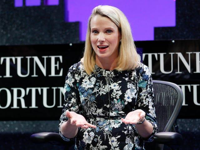 Marissa Mayer kommer att torka hennes tårar med $ 55 miljoner om hon får sparken från Yahoo