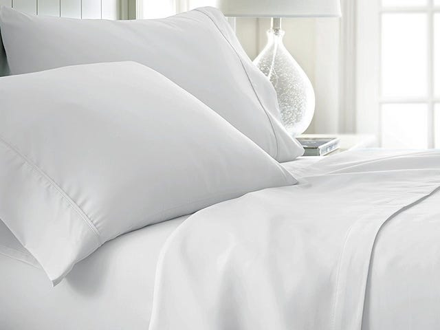 Rest Easy With These Discounted Cotton Sheet Sets From Amazon