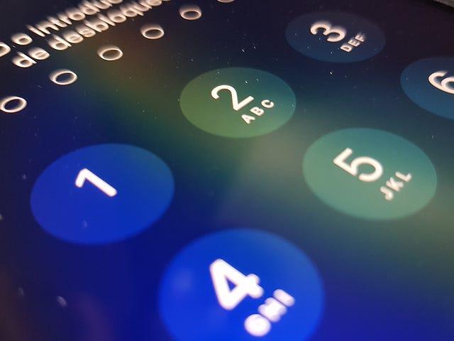 Kliknij tutaj, aby uzyskać więcej informacji na temat tego, co dzieje się w telefonie iPhone na innym urządzeniu.