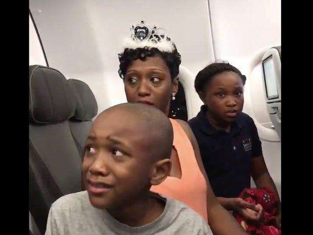 NJ Family Kicked Off JetBlue Flight Over a Birthday Cake