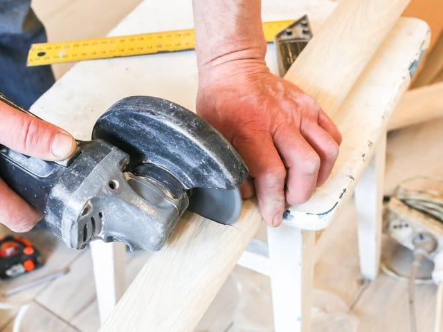 Brug dette snyderi til at skære perfekte baseboard hjørner