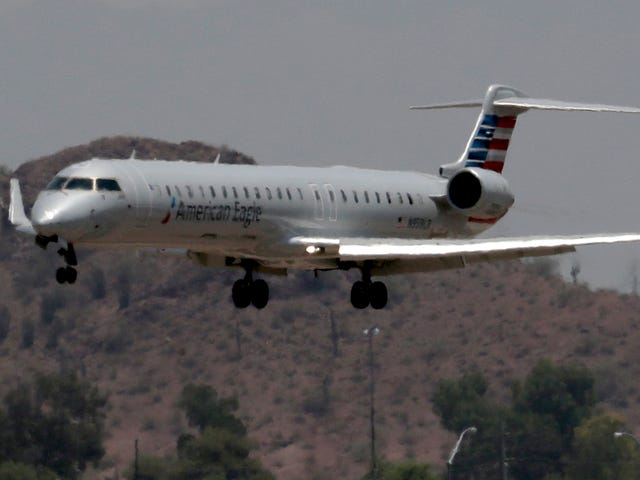 Phoenix Cancels More Than 40 Flights Because It's Too Hot For The Planes