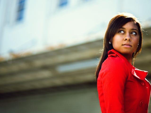 Op dinsdag draagt We Wear Red: een stille verklaring van solidariteit maken op deze gelijke betaaldag