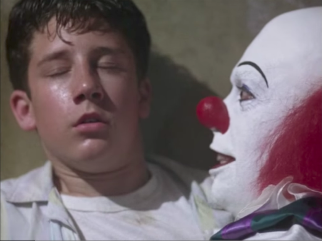"<a href=https://www.avclub.com/its-a-good-thing-we-know-nothing-about-pennywise-the-da-1818514794 data-id="""" onclick=""window.ga('send', 'event', 'Permalink page click', 'Permalink page click - post header', 'standard');"">È una cosa buona che non sappiamo nulla di Pennywise The Dancing Clown</a>"