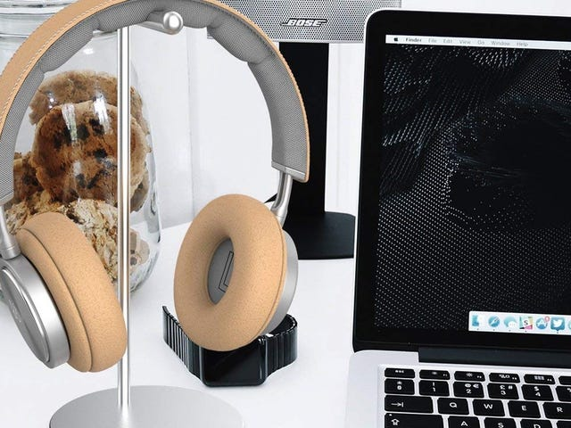 Hold Your Headphones In Style With This $7 Stand