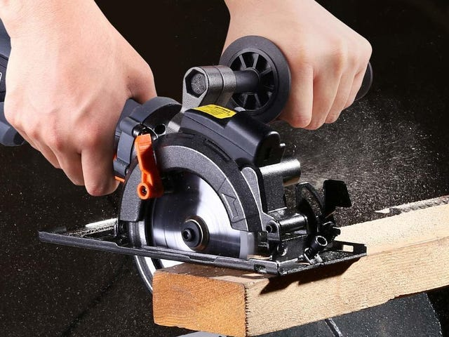 Cut Wood, Metal, and Tile With This $52 Circular Saw
