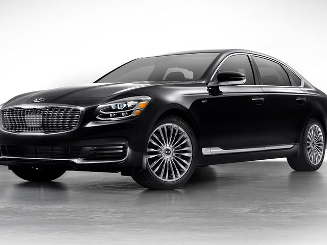 For the few hundred people that care: the 2019 Kia K900 starts at $59,900
