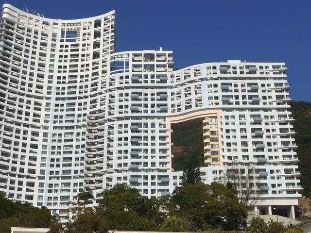 Por qué existen tantos agujeros en los edificios de Hong Kong
