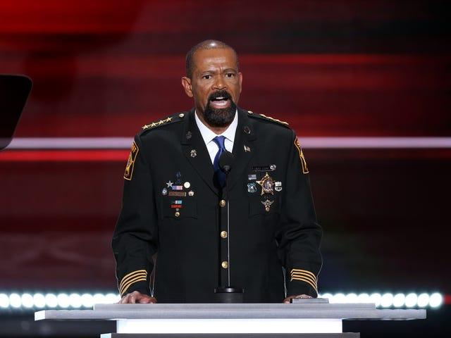 Cảnh sát trưởng khôn ngoan đến đám đông RNC: Cuộc sống đen vấn đề là 'vô chính phủ'