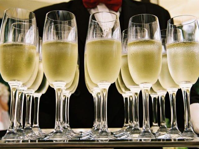 Descubren que es posible determinar la calidad del champán escuchando el sonido que hacen sus burbujas