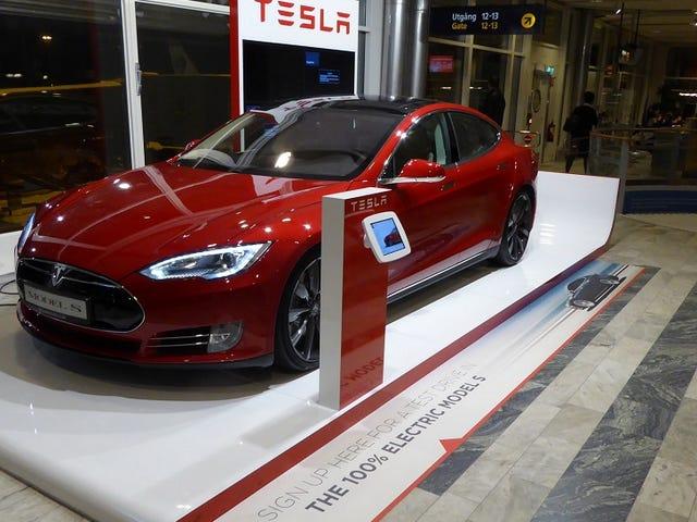 Laporan Lebih Daripada 2000 Duduk Tesla Tidak Terjual di China
