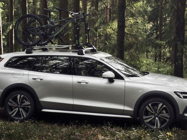 The New Volvo V60 Cross Country Is Here to Fulfill Your Off-Roading Dreams