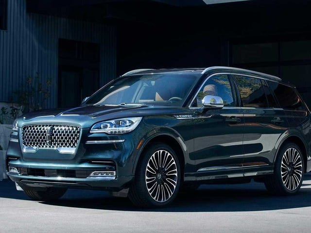The 2020 Lincoln Aviator Has Sleek Lines and 450 HP