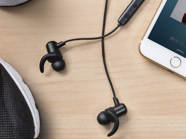 Your Pick For Best Cheap Bluetooth Earbuds of 2018: Anker SoundBuds Slim