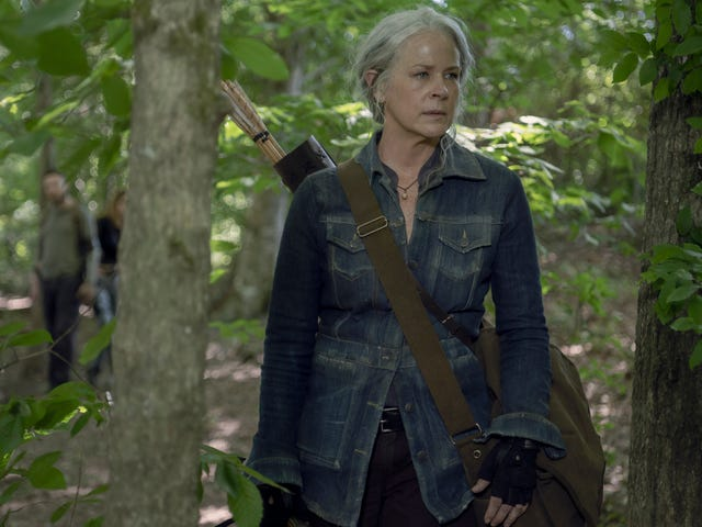 Watch the opening moments of this weekend's Walking Dead premiere