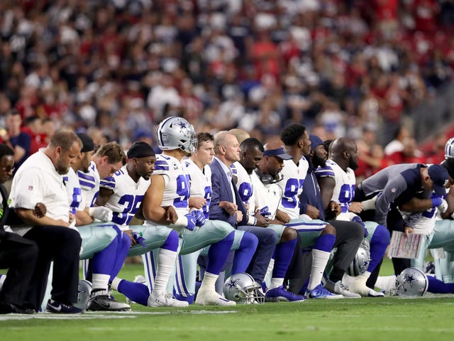 Dallas Cowboys Players Meet With Jerry Jones Over His Claims That Any Player Who Protests Will be Benched