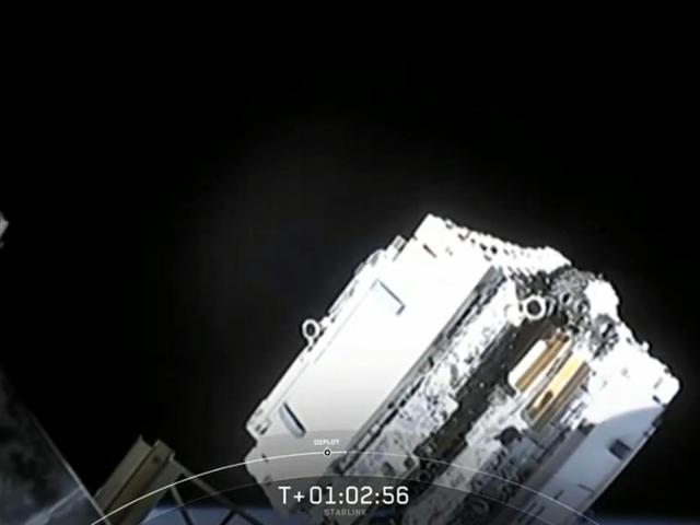 SpaceX запускає 60 супутників для Інтернет-сузір'я Еллона Маска