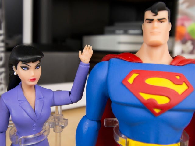 La mejor serie de Superman animado obtiene los juguetes que merece