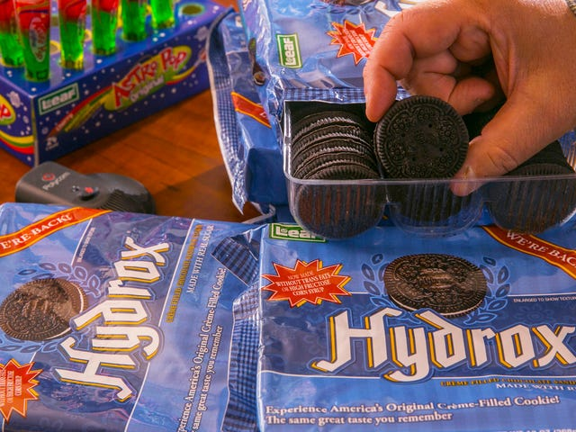 COOKIE WAR? Oreo Accused of Grocery Villainy By Competitor Hydrox