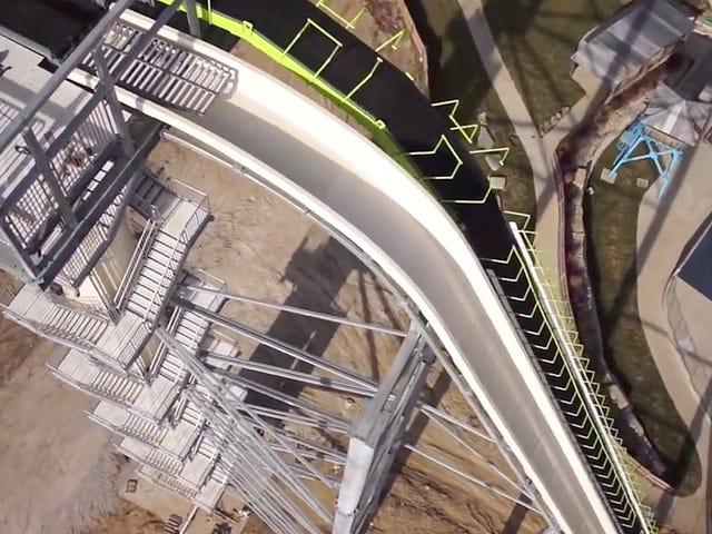Bestem desmontar el tobogán acuático más alto del mundo tras la muerte de un niño