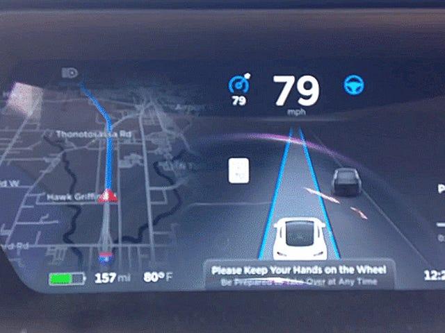 Hvordan lage en Tesla-stasjon ned Mario Karts Rainbow Road