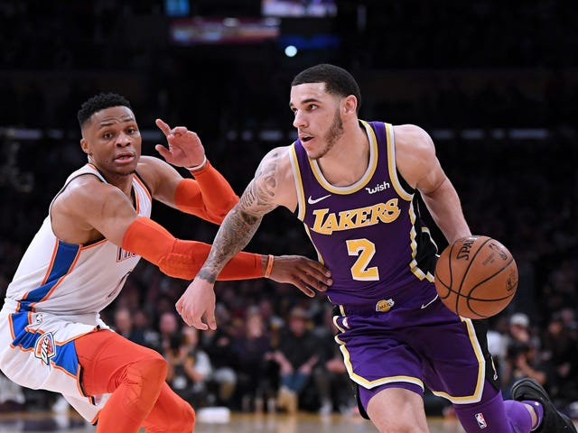 Laker Fans Booed Lonzo Ball For Missing Free Throws
