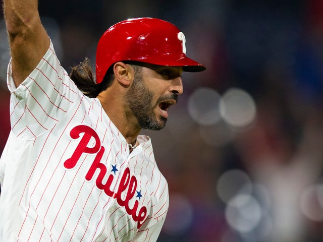 Sean Rodriguez, eroe dei Phillies Walk-Off fischiato per aver criticato i fan di Phillies per fischiare