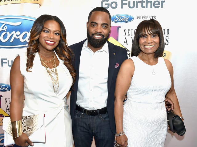 Three People Wounded During Valentine's Day Shooting At Kandi Burruss' Old Lady Gang Restaurant Near Atlanta