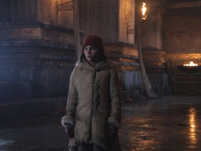 His Dark Materials takes a detour to armored bear territory, with mixed results (newbies)