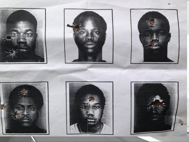 Des policiers de la Floride pris en flagrant délit en se servant d'une photo d'un homme noir