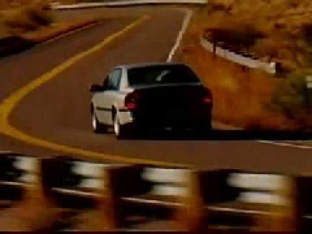 Jeg er fuldstændig forelsket i denne usædvanlige 1990s Volvo S80 Promo Film