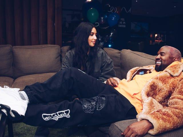 Kim Kardashian Adalah Anak Keempat Melalui Surrogate