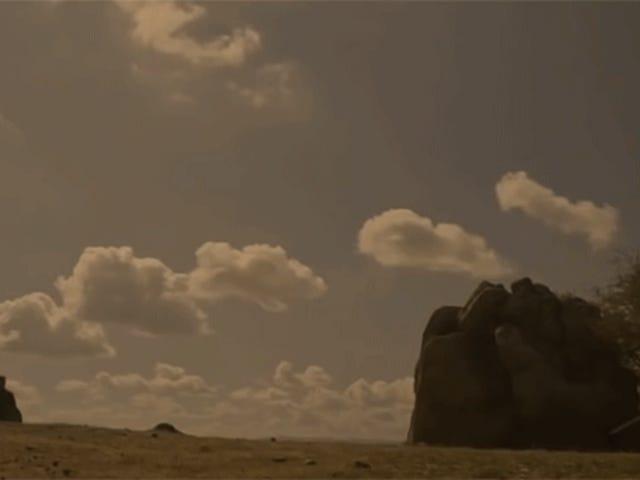随着Ennio Morricone的音乐, <i>Game of Thrones'</i>的欢乐场景<i>Game of Thrones'</i>极大的改善