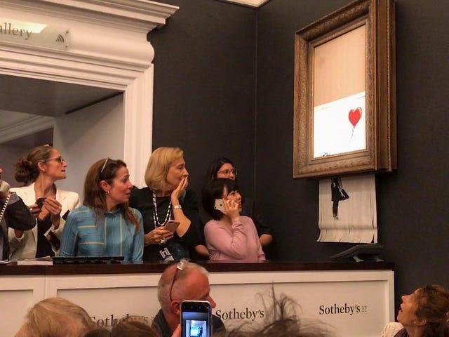 Una obra de Banksy se autodestruye tras subastarse por $ 1.250.000