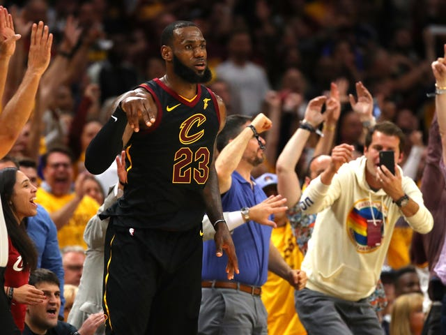 LeBron James Can Make Scoring 44 Points Look Ordinary