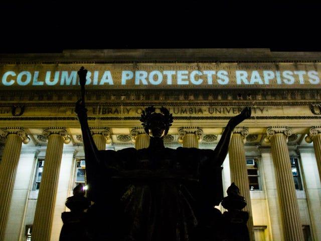 Dự án người biểu tình của sinh viên Columbia 'Hiếp dâm xảy ra ở đây' trên Thư viện