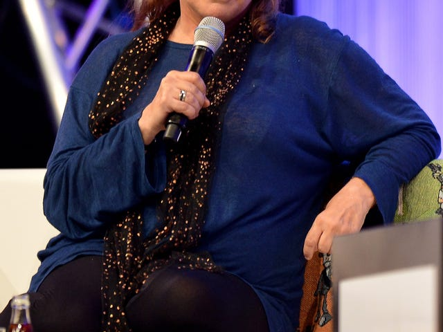 Actress Carrie Fisher in Critical Condition After 'Cardiac Episode' on Airplane