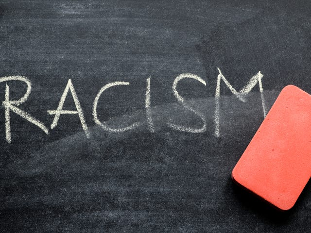 #NotRacists जैसा बनें: लोगों का दावा है कि वे नस्लवादी नहीं हैं द्वारा उपयोग किए गए शीर्ष 10 वाक्यांश