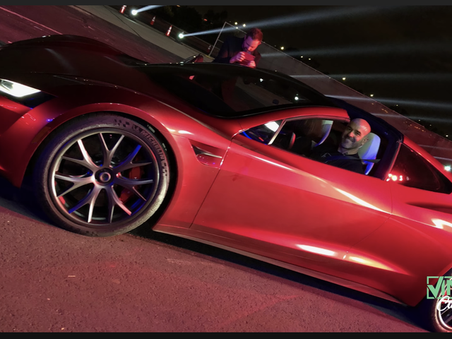 Tesla Roadster Test Driver Swears The Car's Insane Quoted Performance Times Are 'Conservative'<em></em>