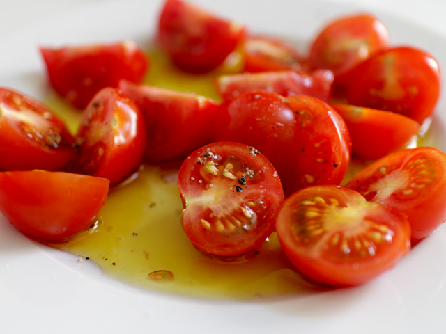 When Should You Buy the Fancy Olive Oil?