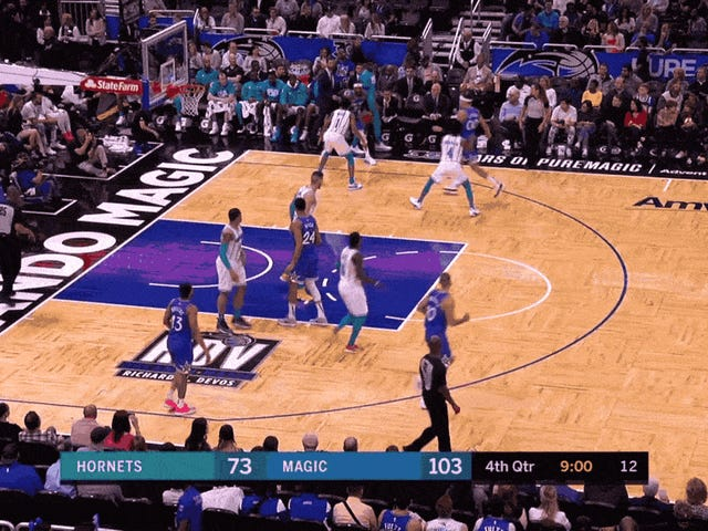 Terrence Ross Committed A Dunk Murder On Willy Hernangomez