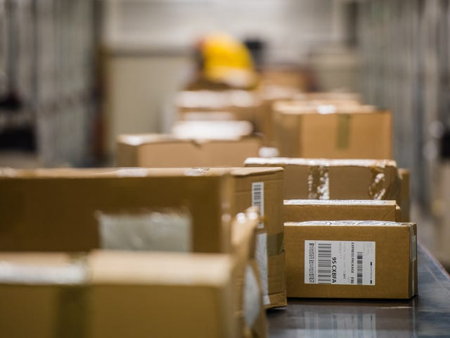 How to Track Incoming Packages Like a Pro (for Free)