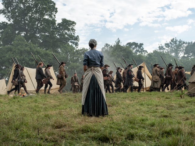 Outlander gets up-close and personal in its big battle episode