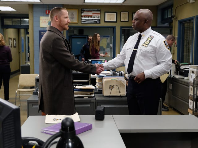 "In Brooklyn Nine-Nine's ""The Bimbo,"" Captain Holt puts his ""rock hard brain"" to work"
