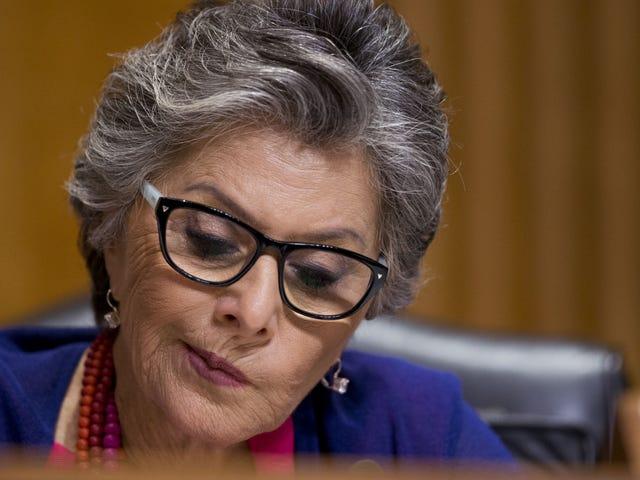 Senatör Hakkında Bu Dedikodu Barbara Boxer'ın iPhone Şifrelemesindeki Görüşleri Gerçek olamayacak kadar şaşırtıcı