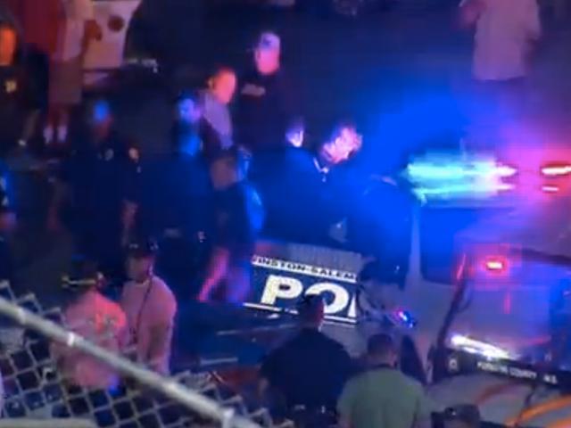 Ο οδηγός του αγωνιστικού αυτοκινήτου συνελήφθη για το χτύπημα του αντιπάλου του πληρώματος με το αυτοκίνητο του αγώνα του