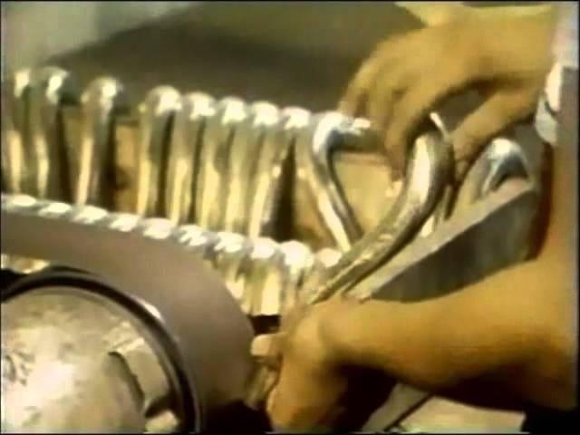 Aneh Tua Sesame Street Video Shows You How a Saxophone Apakah Made
