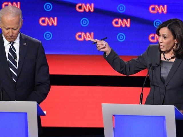 Saturday Night Social: Kamala Harris sostiene Joe Biden, secondo Joe Biden